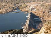 Купить «Красноярская ГЭС, вид сверху», фото № 29316080, снято 23 марта 2019 г. (c) Владимир Пойлов / Фотобанк Лори