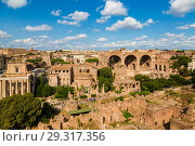Купить «Top view of Roman forum. Rome, Italy», фото № 29317356, снято 9 сентября 2017 г. (c) Наталья Волкова / Фотобанк Лори