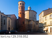 Купить «Old architectural sights in italian city Asti», фото № 29318052, снято 6 декабря 2017 г. (c) Яков Филимонов / Фотобанк Лори
