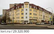 Купить «Гостиница ''Комфорт''. Липецк», фото № 29320900, снято 31 октября 2018 г. (c) Евгений Будюкин / Фотобанк Лори