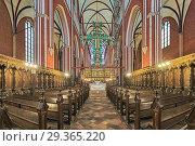 Интерьер церкви доберанского монастыря в Бад Доберане, Германия (2016 год). Редакционное фото, фотограф Михаил Марковский / Фотобанк Лори
