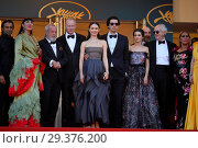 Купить «71st annual Cannes Film Festival - Closing Ceremony Featuring: Olga Kurylenko, Adam Driver, Terry Gilliam, Jonathan Pryce, Rossy de Palma, Jordi Molla...», фото № 29376200, снято 19 мая 2018 г. (c) age Fotostock / Фотобанк Лори