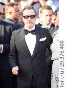 Купить «71st annual Cannes Film Festival - Closing Ceremony Featuring: Gary Oldman, Gisele Schmidt Where: Cannes, France When: 19 May 2018 Credit: Euan Cherry/WENN.», фото № 29376400, снято 19 мая 2018 г. (c) age Fotostock / Фотобанк Лори