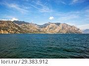 Купить «Озеро Гарда и Альпы. Мальчезине. Италия», фото № 29383912, снято 11 сентября 2018 г. (c) Сергей Афанасьев / Фотобанк Лори