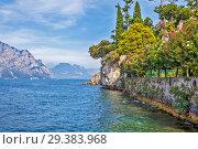 Купить «Озеро Гарда. Мальчезине. Италия», фото № 29383968, снято 11 сентября 2018 г. (c) Сергей Афанасьев / Фотобанк Лори