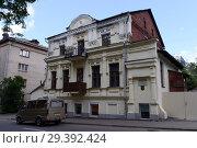Купить «Старое здание на улице Путна в Витебске», фото № 29392424, снято 8 июля 2016 г. (c) Free Wind / Фотобанк Лори
