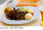 Купить «Baked duck with blue cabbage and yeast dumplings», фото № 29397020, снято 11 мая 2018 г. (c) Яков Филимонов / Фотобанк Лори