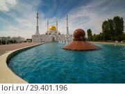 Купить «Nur Astana Mosque in Astana, Kazakhstan. It is the second largest mosque in Kazakhstan», фото № 29401196, снято 23 февраля 2019 г. (c) Владимир Пойлов / Фотобанк Лори
