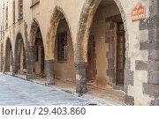 Купить «Arcades in the historic Rue des Templiers, Grimaud-Village, Var, Provence-Alpes-Cote d`Azur, France, Europe.», фото № 29403860, снято 3 июня 2013 г. (c) easy Fotostock / Фотобанк Лори