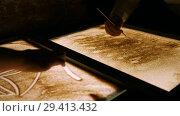 Купить «Drawing with a sand on the screen. Drawing with a thin stick and drawing a boat», видеоролик № 29413432, снято 15 ноября 2018 г. (c) Константин Шишкин / Фотобанк Лори