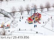 Купить «Детская площадка в зимнее время года», фото № 29419856, снято 4 февраля 2018 г. (c) Кекяляйнен Андрей / Фотобанк Лори