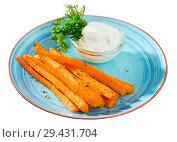 Купить «Carrot sticks with creamy dip», фото № 29431704, снято 25 марта 2019 г. (c) Яков Филимонов / Фотобанк Лори