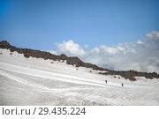 Купить «View of the slope of Mount Elbrus», фото № 29435224, снято 6 июля 2015 г. (c) katalinks / Фотобанк Лори
