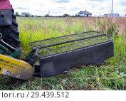 Купить «Навесная косилка для трактора», фото № 29439512, снято 5 июля 2018 г. (c) Вячеслав Палес / Фотобанк Лори