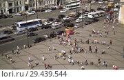 Купить «Aerial view of pedestrian crossing of Ligovsky prospect, Moscow railway station», видеоролик № 29439544, снято 8 августа 2018 г. (c) Ирина Мойсеева / Фотобанк Лори