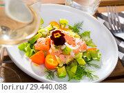 Купить «Salmon ceviche with avocado, kumquat», фото № 29440088, снято 16 июля 2019 г. (c) Яков Филимонов / Фотобанк Лори