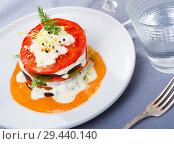 Купить «Roasted grill slices of eggplant and tomato», фото № 29440140, снято 16 февраля 2019 г. (c) Яков Филимонов / Фотобанк Лори