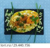 Купить «Baked potato with herbs, egg and cucumbers», фото № 29440156, снято 15 декабря 2018 г. (c) Яков Филимонов / Фотобанк Лори