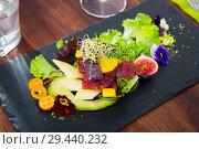 Купить «Tuna salad with avocado and mango», фото № 29440232, снято 15 ноября 2019 г. (c) Яков Филимонов / Фотобанк Лори