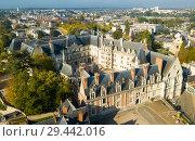 Купить «View from drone of Royal Chateau de Blois», фото № 29442016, снято 9 октября 2018 г. (c) Яков Филимонов / Фотобанк Лори