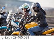 Купить «Девушки на мотоциклах», фото № 29465088, снято 30 апреля 2018 г. (c) Кекяляйнен Андрей / Фотобанк Лори