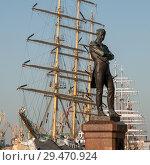 Памятник адмиралу И.Ф.Крузенштерну. Санкт-Петербург (2009 год). Стоковое фото, фотограф Александр Алексеев / Фотобанк Лори
