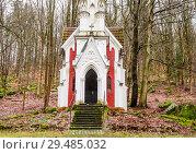 Купить «Chapel of Laska - The director of the local theatre Julius Laska had this chapel built in 1909 in memory of his mother.Neo-Gothic style - Marianske Lazne (Marienbad). Czech Republic», фото № 29485032, снято 1 февраля 2018 г. (c) Николай Коржов / Фотобанк Лори