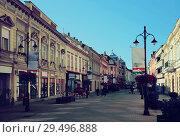 Купить «Street of Kaposvar, Hungary», фото № 29496888, снято 1 ноября 2017 г. (c) Яков Филимонов / Фотобанк Лори