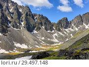 Spurs of mountain range in Eastern Siberia (2018 год). Редакционное фото, фотограф Виктор Никитин / Фотобанк Лори