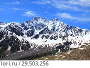 Вершины Донгуз-орун и Накра-тау. Стоковое фото, фотограф Дмитрий Воробьев / Фотобанк Лори