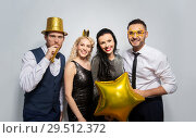 Купить «happy friends with golden party props posing», фото № 29512372, снято 3 марта 2018 г. (c) Syda Productions / Фотобанк Лори