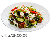 Купить «Sopska salad with fresh tomato, onion, cucumber and brynza cheese», фото № 29530556, снято 11 декабря 2018 г. (c) Яков Филимонов / Фотобанк Лори