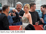 Купить «Celebrities arrive for Austrian Film Award 'Romy' at Hofburg in Vienna. Featuring: Philipp Hochmair, Hilde Dalik Where: Vienna, Austria When: 07 Apr 2018 Credit: AEDT/WENN.com», фото № 29534864, снято 7 апреля 2018 г. (c) age Fotostock / Фотобанк Лори