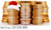 Купить «Столбики монет . Концепция новогодних скидок и распродаж .», фото № 29539480, снято 16 сентября 2019 г. (c) Сергеев Валерий / Фотобанк Лори