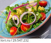 Купить «Arugula salad with avocado», фото № 29547232, снято 23 марта 2019 г. (c) Яков Филимонов / Фотобанк Лори