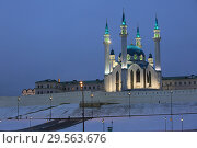 Купить «Winter view of the Kazan Kremlin and Kul Sharif Mosque in Kazan in the evening light. Russia», фото № 29563676, снято 5 декабря 2018 г. (c) Яна Королёва / Фотобанк Лори