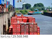 Купить «Germany, North Rhine-Westphalia - inland port in Duisburg», фото № 29568948, снято 28 июня 2018 г. (c) Caro Photoagency / Фотобанк Лори