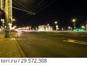 Купить «Stone Bridge near Kremlin (at night)-- the most popular view of Moscow, Russia», фото № 29572308, снято 24 марта 2018 г. (c) Владимир Журавлев / Фотобанк Лори