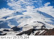 Купить «The western and eastern peaks of Elbrus closeup», фото № 29575264, снято 8 июля 2015 г. (c) katalinks / Фотобанк Лори