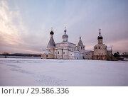 Купить «Зимнее утро в Ферапонтовом монастыре», фото № 29586336, снято 6 января 2016 г. (c) Юлия Бабкина / Фотобанк Лори