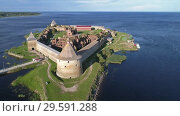 Купить «Fortress Oreshek on island in Neva river», видеоролик № 29591288, снято 17 сентября 2018 г. (c) Михаил Коханчиков / Фотобанк Лори