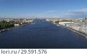 Купить «Flight over Neva River in St. Petersburg center», видеоролик № 29591576, снято 5 сентября 2018 г. (c) Михаил Коханчиков / Фотобанк Лори