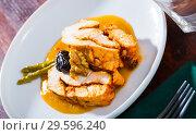 Купить «Savory turkey breast in mango sauce», фото № 29596240, снято 16 октября 2019 г. (c) Яков Филимонов / Фотобанк Лори