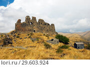 Купить «Руины древней крепости Амберд, Армения», фото № 29603924, снято 21 сентября 2018 г. (c) Инна Грязнова / Фотобанк Лори