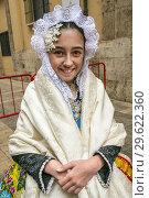Fallas festival. Fallera. Woman in traditional dress. Valencia. Valencian Community. Spain. (2015 год). Редакционное фото, фотограф Gonzalo Azumendi / age Fotostock / Фотобанк Лори