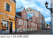 Купить «Улица Jaani. Тарту, Эстония», эксклюзивное фото № 29645000, снято 16 августа 2014 г. (c) Александр Щепин / Фотобанк Лори