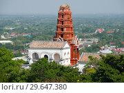 Купить «VВид на красную пагода (красная чеди) на вершине холма Phra Nakhon Khiri. Исторический парк города Пхетчабури, Таиланд», фото № 29647380, снято 13 декабря 2018 г. (c) Виктор Карасев / Фотобанк Лори