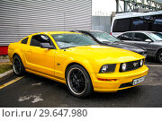 Купить «Ford Mustang GT», фото № 29647980, снято 7 июля 2012 г. (c) Art Konovalov / Фотобанк Лори