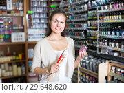Купить «woman shopping art supplies», фото № 29648620, снято 23 января 2019 г. (c) Яков Филимонов / Фотобанк Лори