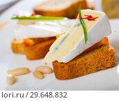 Купить «Canape with orange and blue cheese», фото № 29648832, снято 22 марта 2019 г. (c) Яков Филимонов / Фотобанк Лори